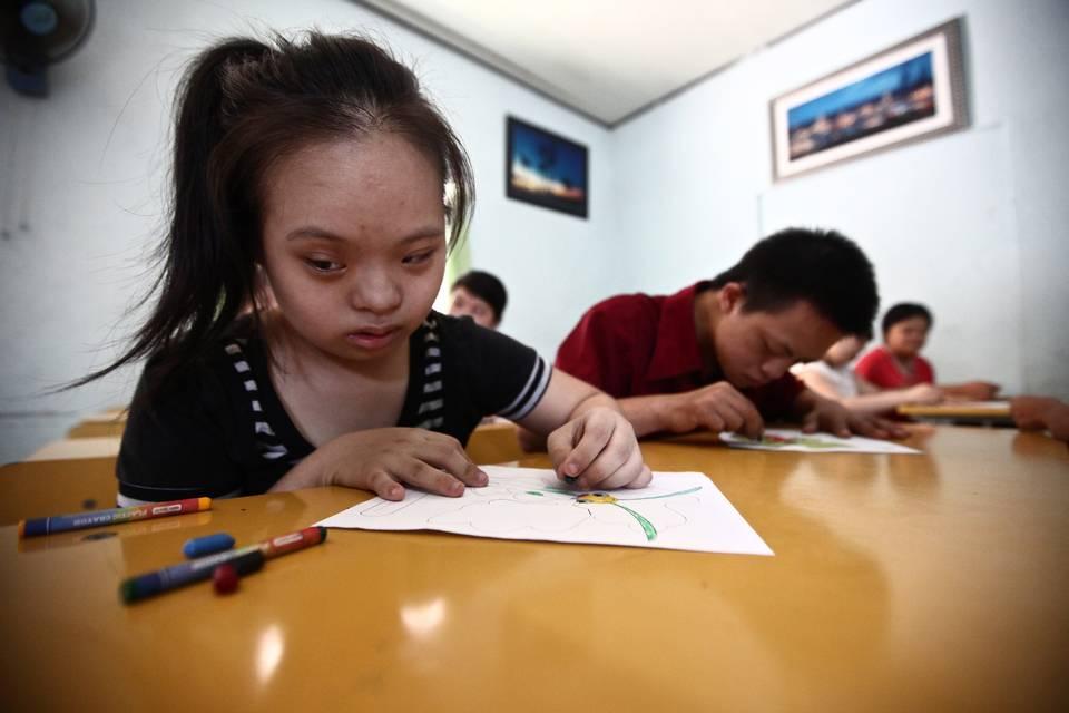 four decades after war ended, agent orange still ravaging vietnamese 18 billion in