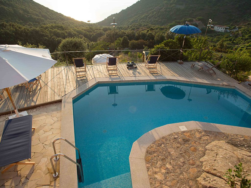 Holiday Rental Luxury Houses with Pool and Ocean View in Colle d`Orano