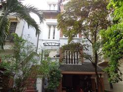 Swimming pool villa to rent 4 bedrooms in To Ngoc Van,Tay Ho dist,.