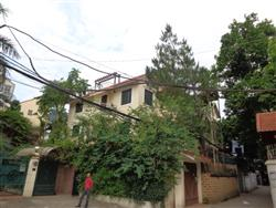 charming 5 bedrooms house garden available to rent in To Ngoc Van ,Tay Ho ,Ha Noi