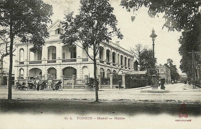 Hanoi Town Hall, early 20th century.
