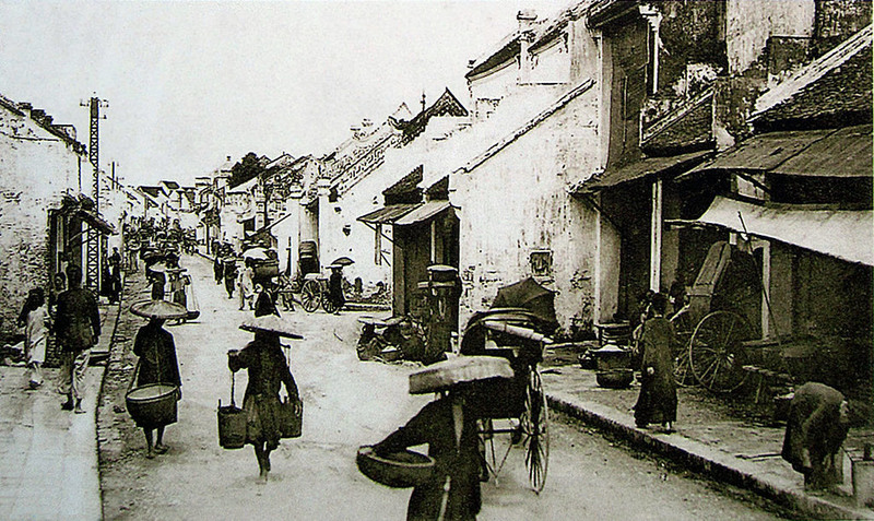 Hang Mam Street, Hanoi, early 20th century.