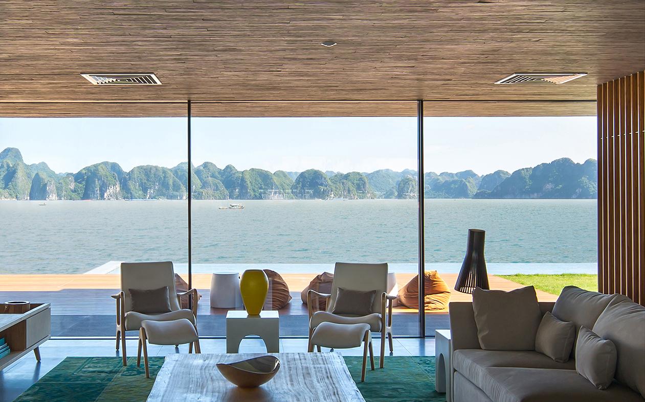 Marcio Kogan carefully preserved the villa views